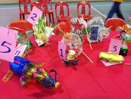 Lantern-making contest using recycled materials