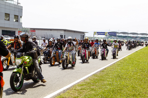 Largest motorcycle gathering on Sepang race track at Summernats Malaysia 2014