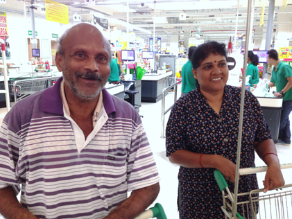 Jom Shopping Deepavali 2014 - Nagamaya and Chanda Kuppusamy