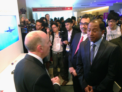 Perak Mentri Besar Datuk Seri Dr Zambry Abdul Kadir visits Huawei booth at CSM-ACE 2014 Ipoh
