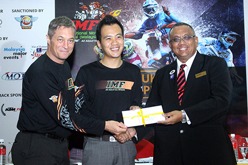 Colin Robin (Race Director), Melvin Lee (IMF 2014 GM) &           Niza Ismail (Nouvelle Hotel Manager)