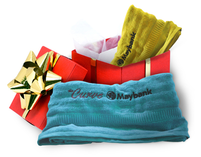 This Christmas, the Curve will be giving out an exclusive Season Greetings Towel Pack, consisting of high-quality soft cotton bamboo towels
