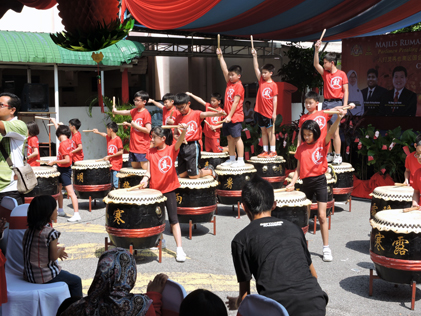 Drum performance by school children
