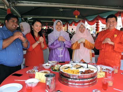 (L-R) Rajiv Rishyakaran, Hannah Yeoh, Zuraida Kamaruddin, Haniza Mohd Talha and Hee Loy Sian