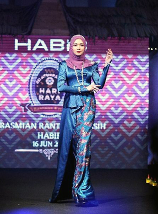 Model wearing the new Moghul jewellery collection during the Rantaian Kasih campaign launch
