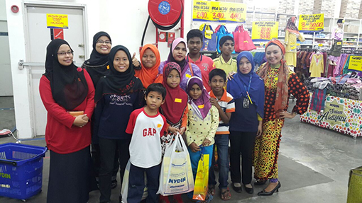 Baju raya shopping at Mydin Subang Jaya 1