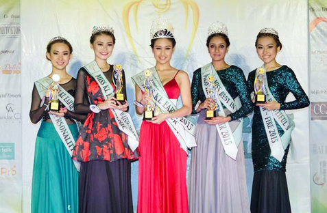 Miss KL Earth 2015 Janice Tan (centre) is flanked by (L-R) 4th runner-up Jane Lung, 2nd runner-up Yoyo Lee, first runner-up Paveetha and third runner-up Anne Lim