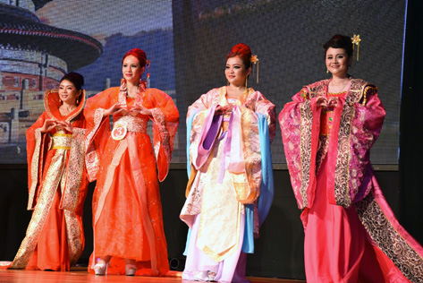 Contestants donning their own hanfu at the first Malaysia Chinese Couture 2015 pageant in Kuala Lumpur.