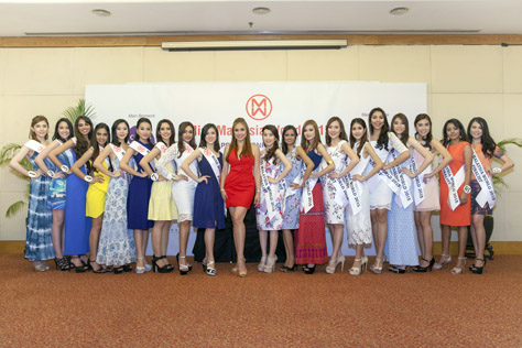 Miss Malaysia World 2015 finalists with Dato Anna Lim