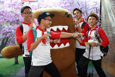 Akmal Ismail and friends posing with Domo at Bon Odori 2015 Shah Alam