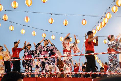 Bon odori dance on Yagura