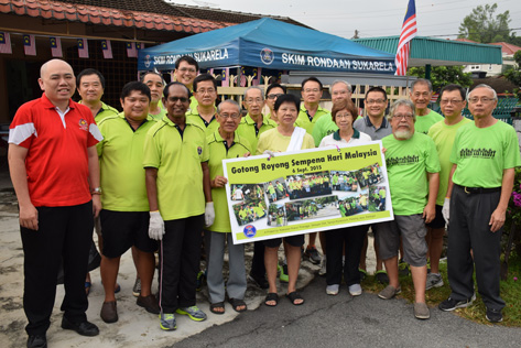 Lau Weng San and RT Seksyen 20A in gotong royong project on 6.9.15
