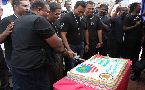 Cake cutting ceremony in conjunction with Malaysia Day, which also coincides with Sivarraajh's birthday