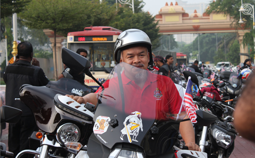 200 bike owners gathered at Dataran Brickfields for the first ever on Malaysia Day