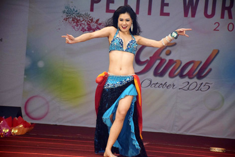 Audrey Lee performs her best talent in a Bollywood dance