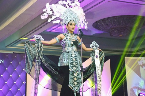 Miss Cosmopolitan World 2015 Best National Costume Kohinoor Kaur (‎Malaysia‬)