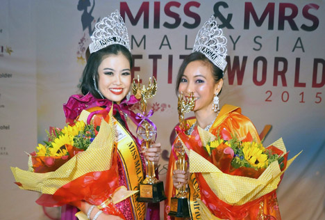 Miss Malaysia Petite World 2015 Audrey Lee (left) and Mrs Malaysia Petite World 2015 Cecelia Lee