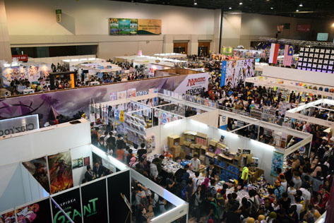 Visitors crowding the nearly 300 booths dedicated to anime figurines, designer toys, collectibles, movies and more at Comic Fiesta 2015