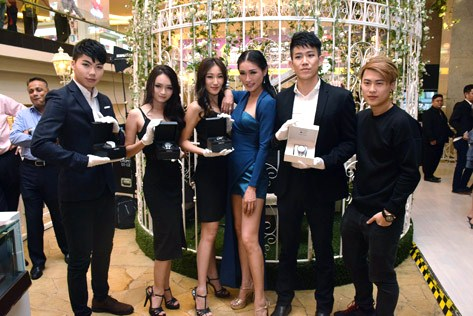 Amber Chia with her models at Grand Seiko New Year Party