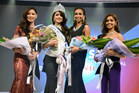 Newly crowned Miss Universe Malaysia 2016 Kiran (second from left) with (L-R) second runner-up Lina Soong, first runner-up Dhivya Dhyana and third runner-up Swarna Naidu
