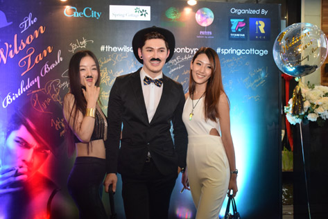 Wilson Tan with Paris Wu (left) and Jacquee Lee (right)