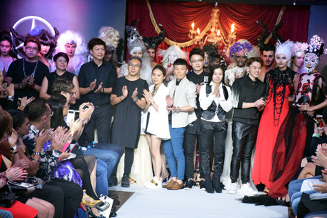 A grand finale photo opportunity with hair stylists, models, designers, muses and festival partners