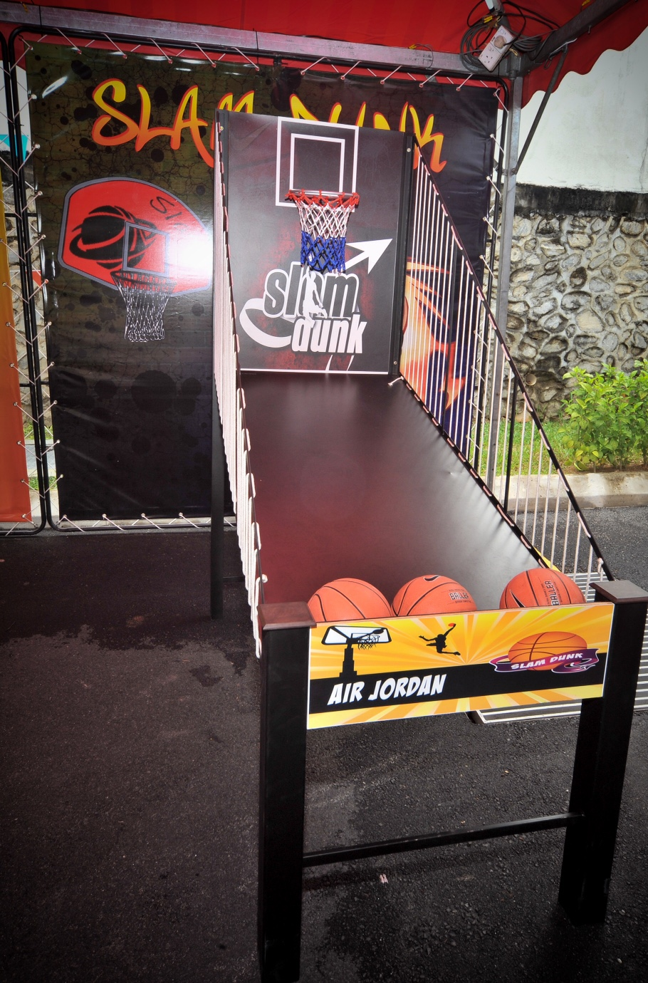 Players can 'Slam Dunk' their way to exciting prizes at eCurve!
