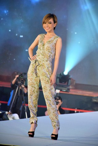 Miss Beautiful Smile - Karina Wong Su Yi
