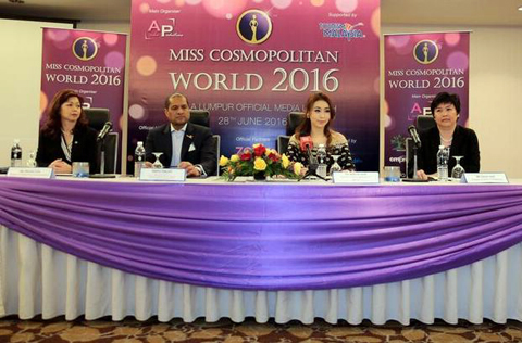 Amelia Liew (second from right) with (L-R) Sharon Lim, Dato Daljit Singh and Susan Goh at the Miss Cosmopolitan World 2016 press conference in Kuala Lumpur