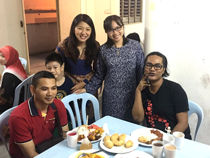 Yeo Bee Yin and Jamaliah Jamaludin at the buka puasa event with the community of Damansara Bistari