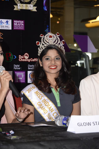 U We Glow Fun Run 2016 get lots of valuable support from Miss Indian Cultural Malaysia 2016 Usha Puttharasan