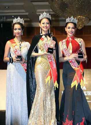Linn Kalayar Oo (centre) is flanked by first runner-up Thakur Rasmi from India (left)0 and second runner-up Nina Kho from Malaysia