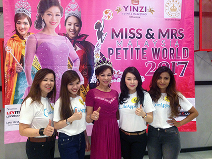 Petite Queen Hopefuls Try Out At Atria Mall